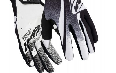 strike-kid-gloves (1)